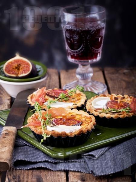 Тарталети със смокини, хамон и козе сирене - снимка на рецептата
